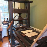Printing press at Mackenzie Printery & Newspaper Museum