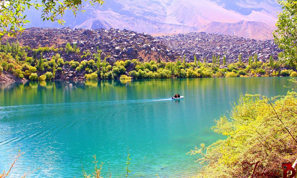 Upper Kachura Lake is nearly 230 feet deep and a very attractive tourist spot in Skardu with cry