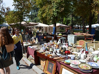 Huge selection of antiques
