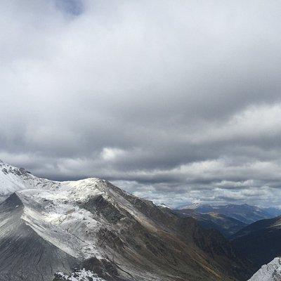 Schaubachhütte und Blick ins Tal Richtung Stilfs
