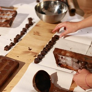 make your own belgian chocolates in Brussels