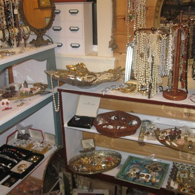 Jewelry! (so much MORE jewelry than this!)