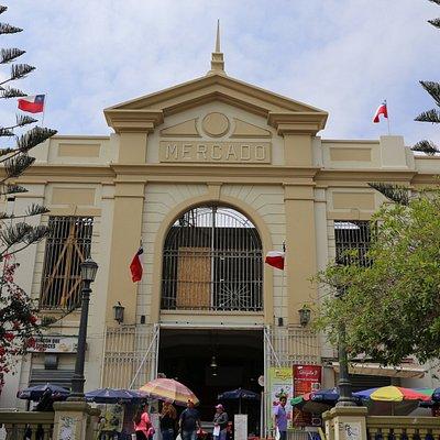 Fachada principal Mercado Central de Antofagasta