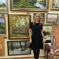 Наша посетительница Наташа, ценительница живописи и скульптуры пришла и выбрала своего любимого