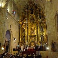 Interor de la iglesia, altar mayor