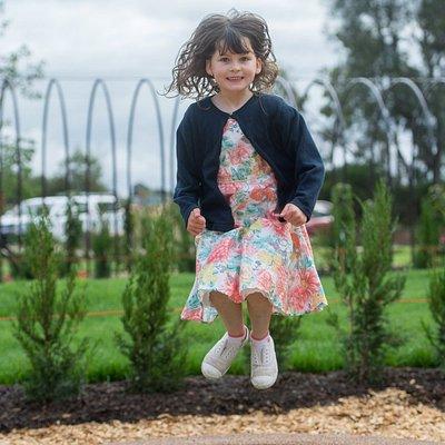 A new Bendigo Botanic Gardens play space opened in December 2013.