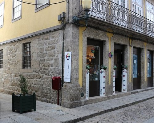 Find a Portuguese Gift: Cool and Unique Ideas