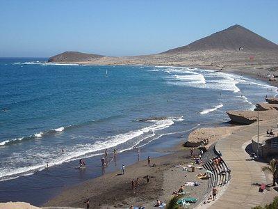 Playa del Medano, con la Montaña Roja, Portada del un libro J.J.Binitez