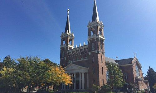 outside of St Aloysius church