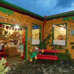 Caminho do Artesanato - loja casa colorida repleta de artesanato !