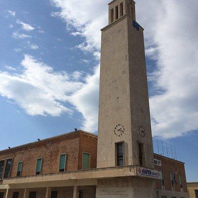 Torre civica nella Piazza del Comune di Sabaudia