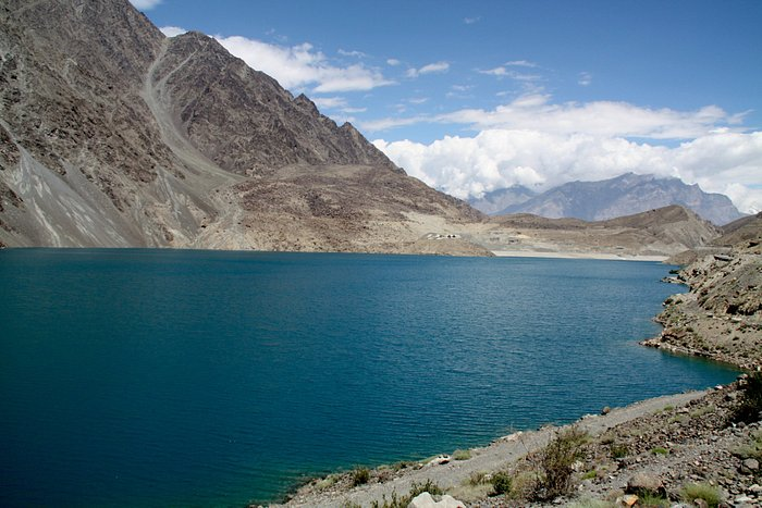 Lake formed when valley was dammed