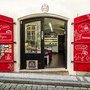 Analogue - first store in Prague dedicated to analogue photography