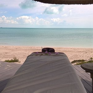 Beach  Massage with infinity view and Ocean sound .