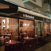 Brasserie Scheffers van de voorkant vlak voordat we open gingen op 28 aug 2015