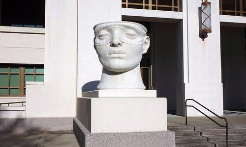 Impressive sculpture