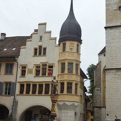 Old Town - Ring e a Fontaine