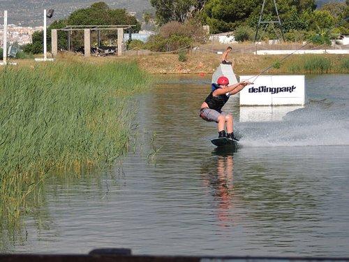 Perfecto día para practicar por primera vez deportes acuáticos!