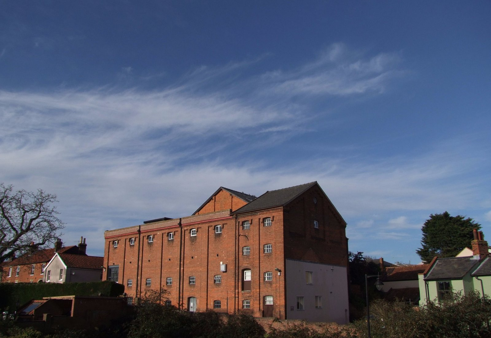 The Old Maltings seen from the bottom of Station Road
