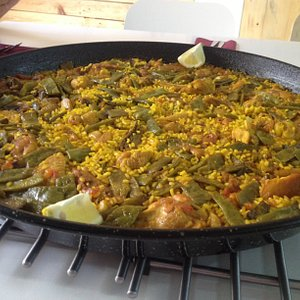 Paella cooking class in MorethanFood
