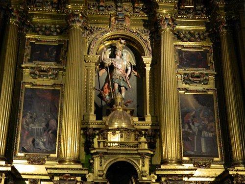 San Miguel en el Altar Mayor
