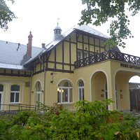 Outside view of this traditional villa with cafe-restaurant