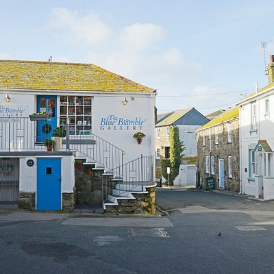 Blue Bramble gallery situated in Island Square ,St.Ives.