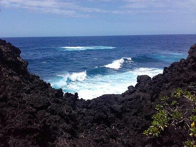 Mer bien agité et paysage magnifique
