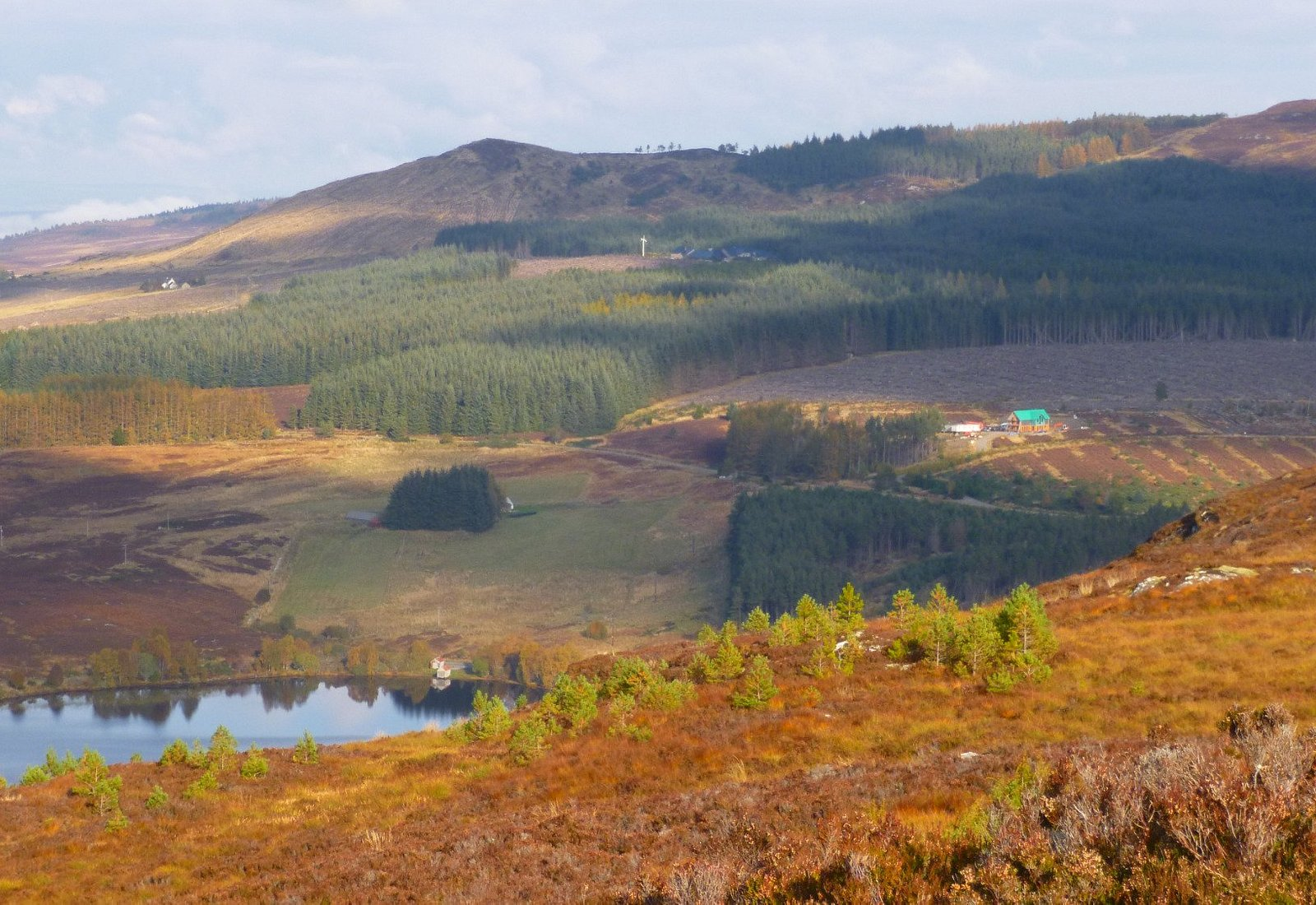 Zoom to Loch Laide from top of Carn na Leitire