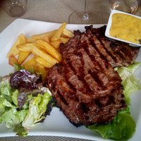 entrecôte 350gr frites salade béarnaise
