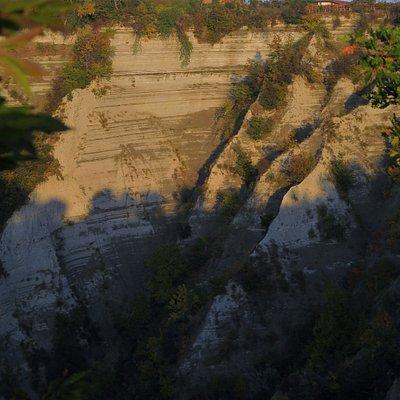 Dal bordo delle Rocche, guardando verso Treiso
