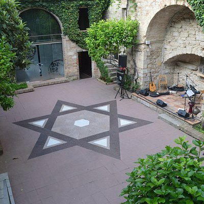 Patio del Museo de la Historia de los Judios de Girona