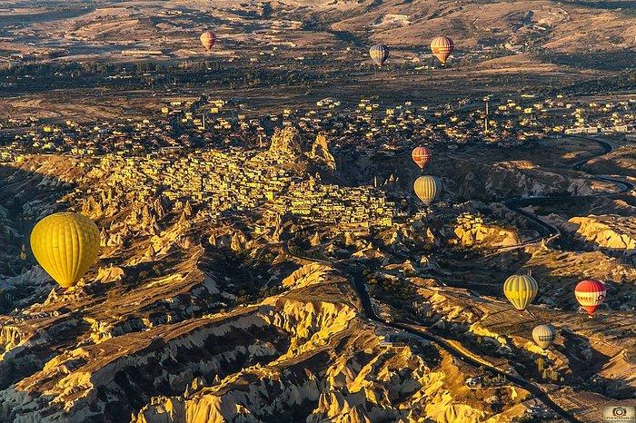kapadokya ayaklarımın altında (Universal Balloon) Photo by Ufuk Pekparlak