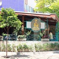 Restaurante aberto de domingo a segunda-feira