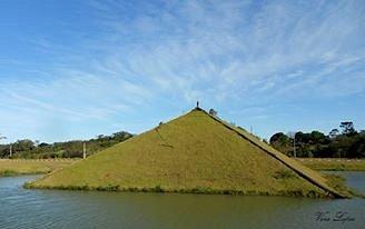 lagos e pirâmide