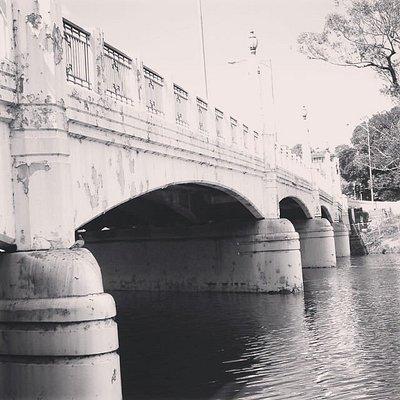 Nice old bridge with shocking traffic