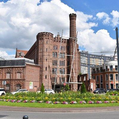 Notre bâtiment est reconnaissable parmi tous et est une ancienne usine