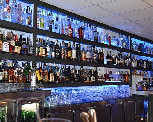 Nuestra barra: bebidas premium para nuestros clientes
