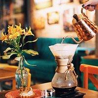 Chemex, um dos métodos de filtragem disponível no Café do Viajante.