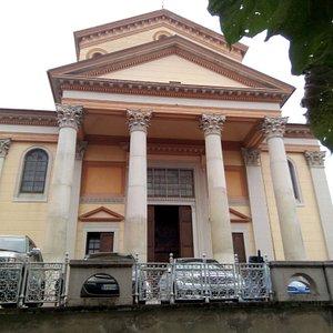 Chiesa dei SS. Pietro e Paolo, Oleggio