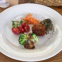 野菜どんぶりの前菜