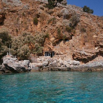 site choisi pour le snorkeling,attention aux oursins.