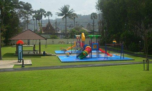 детская площадка на Кате