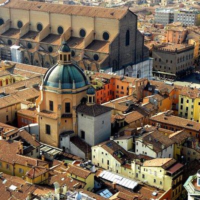 Blick vom Asinelli auf die Kathedrale.