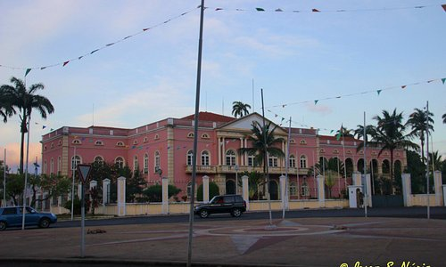 View of the Presidential Palace from the street