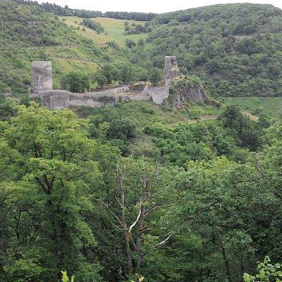 Burgruine Stahlberg aus der Ferne