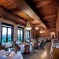 OHEKA Bar & Restaurant - Dining Room