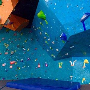 Bouldering walls and mats