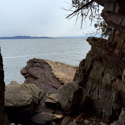 One of many places to take in the view and the colors of the rock formations