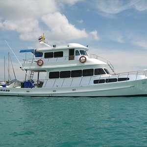 Dorado is the perfect yacht for fishing and diving trips around Phuket.